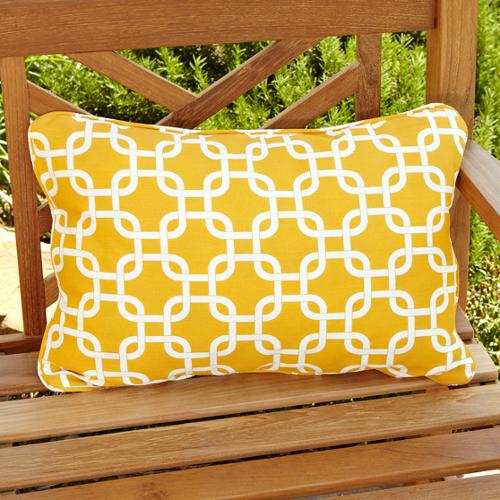 Mozaic Company Penelope Yellow Indoor/ Outdoor Pillows (Set of 2)