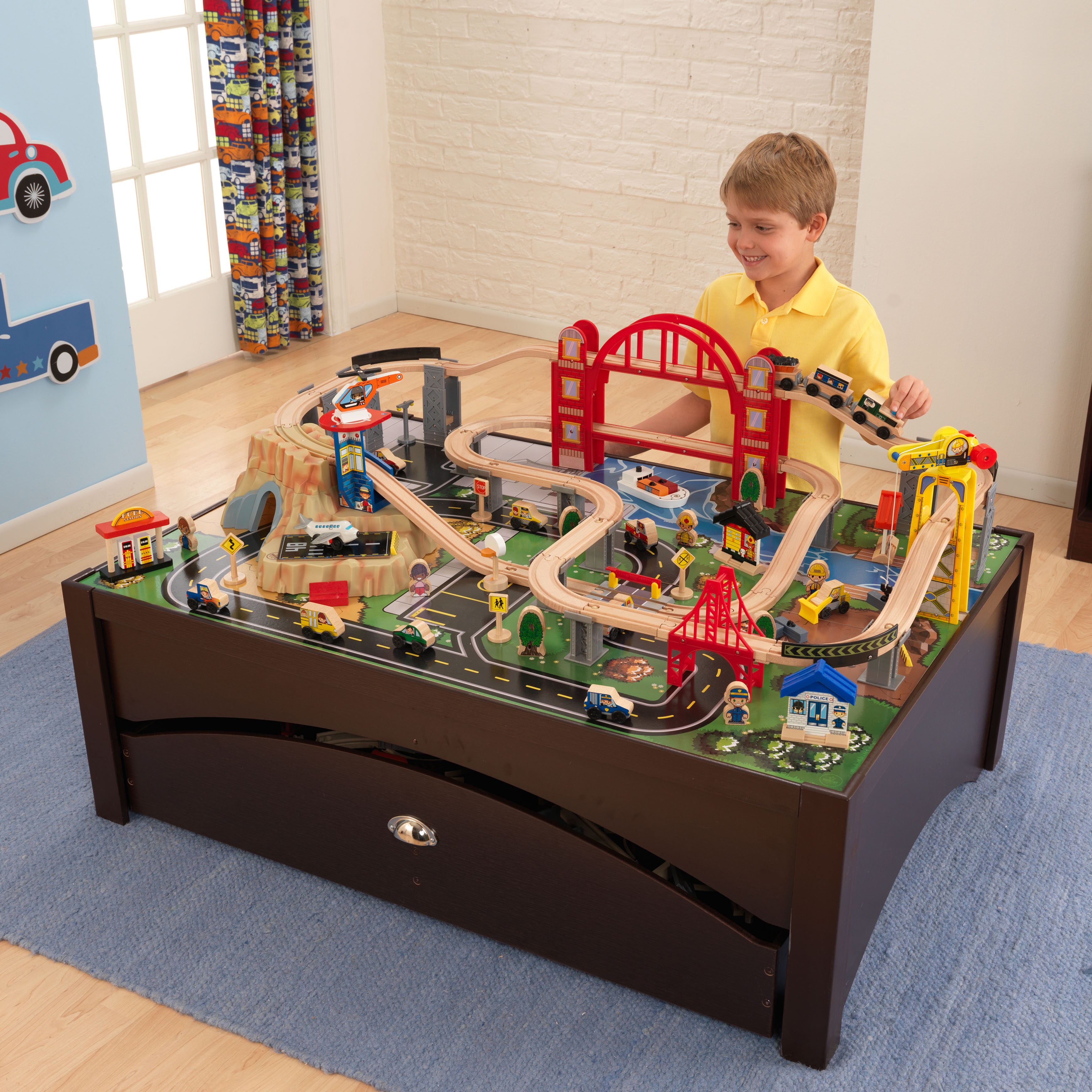 KidKraft Metropolis Train Set & Table with 100 accessories included