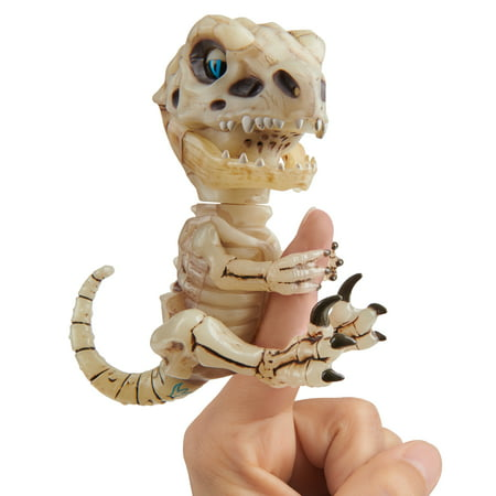 Untamed Skeleton Raptor – Gloom - by WowWee