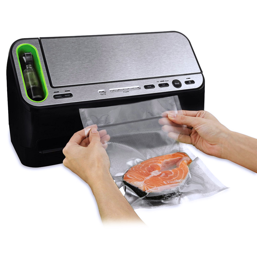 FoodSaver v4440 Appliance Vacuum Sealer with Retractable Handheld Sealer