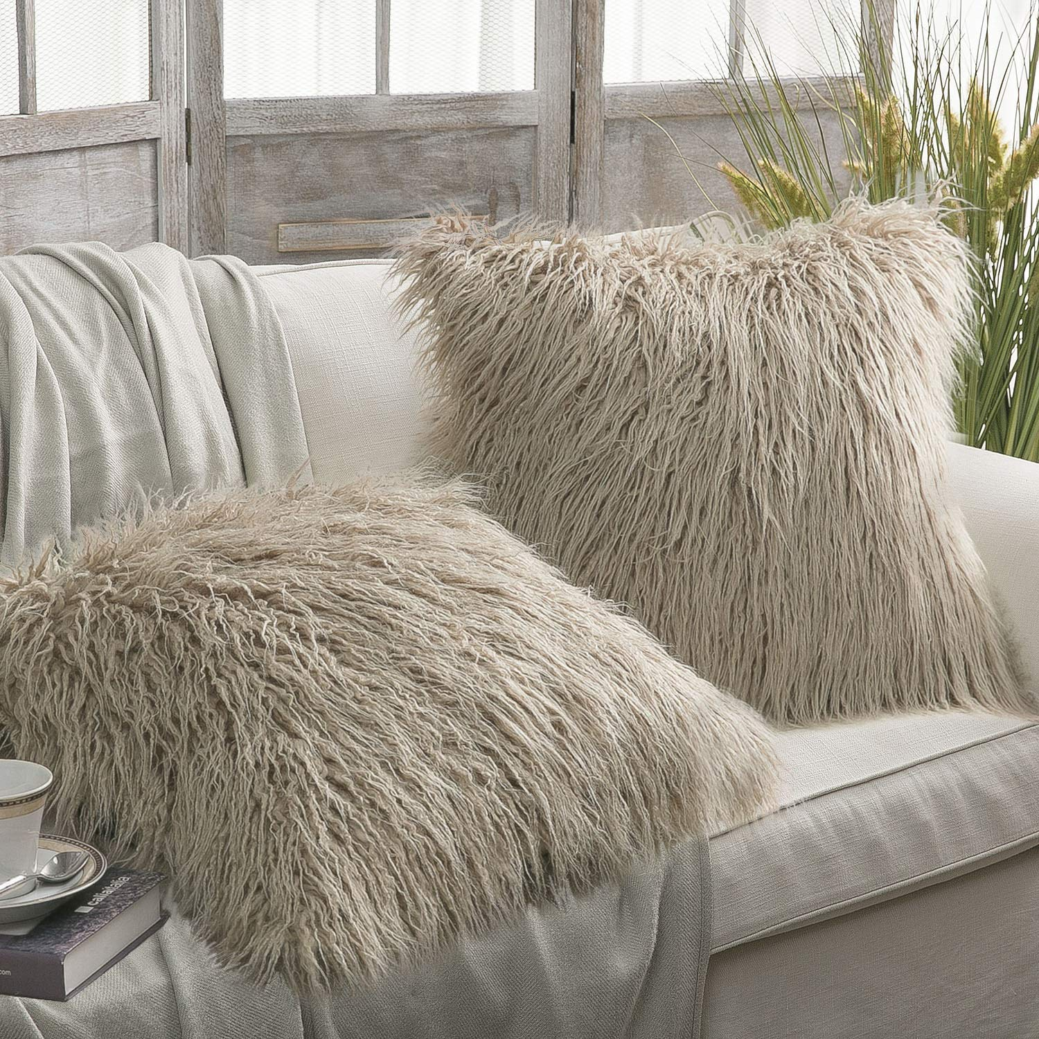 "Phantoscope Set of 2 Throw pillow Covers Faux Fur Phantoscope Decorative New Luxury Series Merino Style White Color Faux Fur Throw Pillow Case Cushion Cover 18"" x 18""(Pillow Covers Only)"