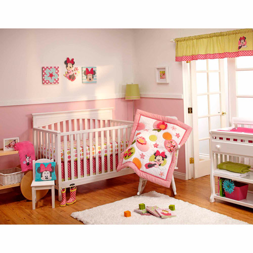 Disney - Minnie's Petal Perfect 4pc Deluxe Crib Bedding Collection