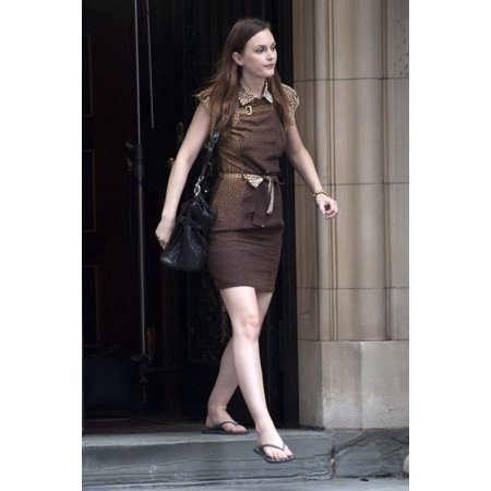 Leighton Meester On Location Film Shoot For Gossip Girl On Location Upper West Side New York Ny July 14 2010 Photo By LeeEverett Collection Celebrity (Upper West Side Collection)