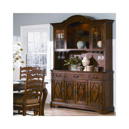 Wynwood Furniture Mount Vintage China Cabinet In Amber Pine