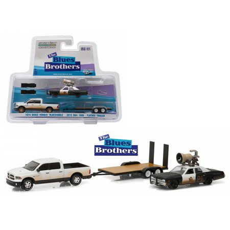 2015 Dodge Ram &1974 Dodge Monaco Bluesmobile on Flatbed Trailer Blues Brothers Movie 1980 1/64 Diecast Model Greenlight - Halloween 1980 Trailer