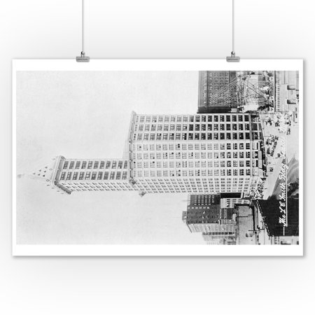 Seattle, WA - Smith Tower Building View and Street Scene (9x12 Art Print, Wall Decor Travel