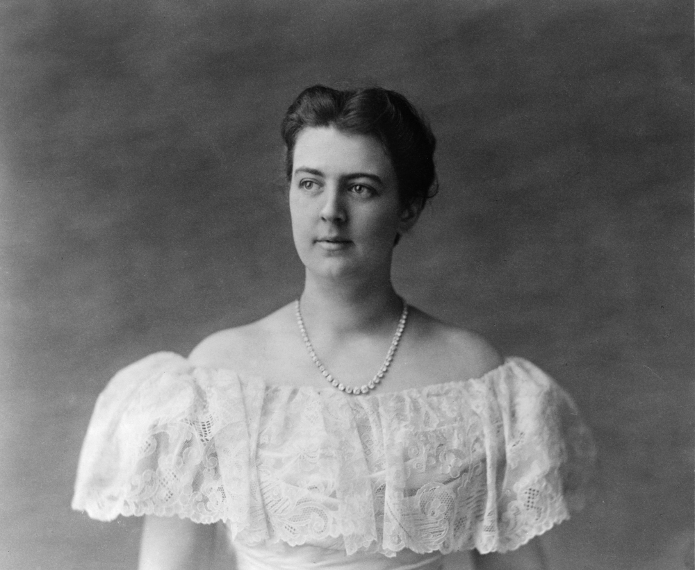 Frances Folsom Cleveland N 1864 1947 Wife Of President Grover Cleveland Photograph C1897 Rolled Canvas Art 24 X 36 Walmart Com