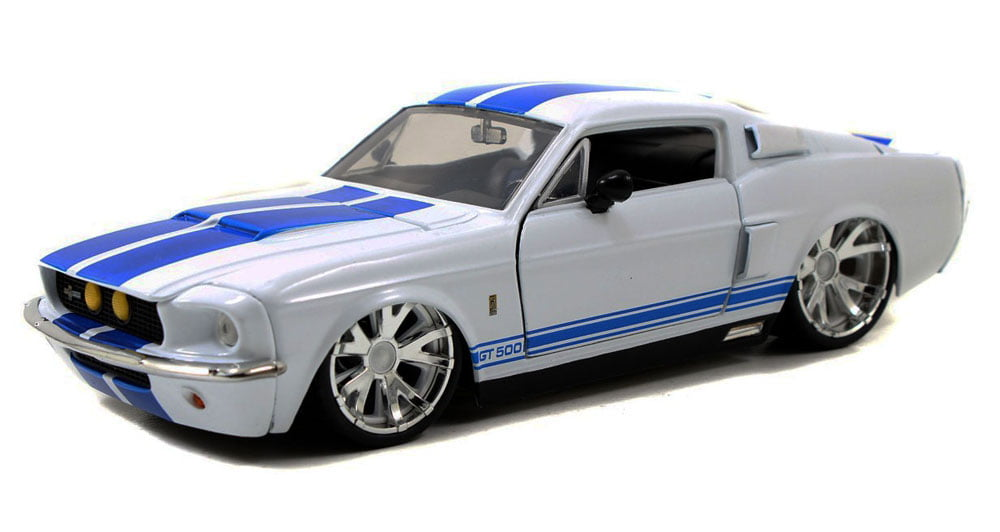 1967 Shelby GT500, White Jada Toys Bigtime Muscle 90057 1 24 scale Diecast Model Toy Car by Jada