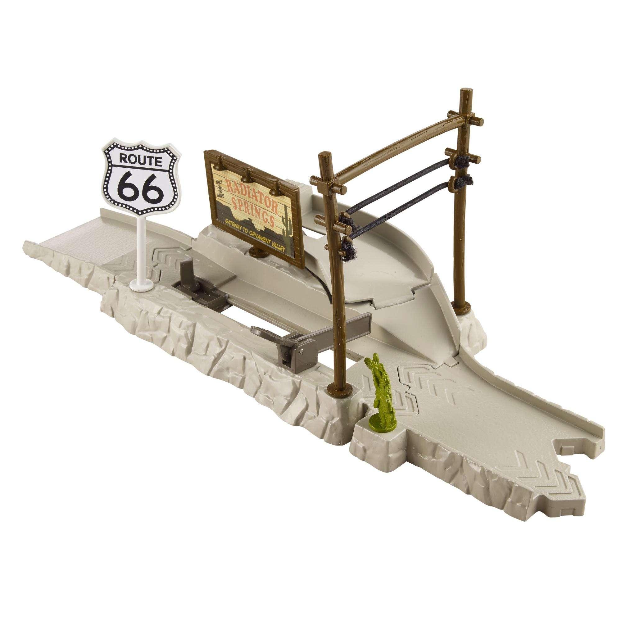 Disney/Pixar Cars Highway Hideout Play & Race Launcher