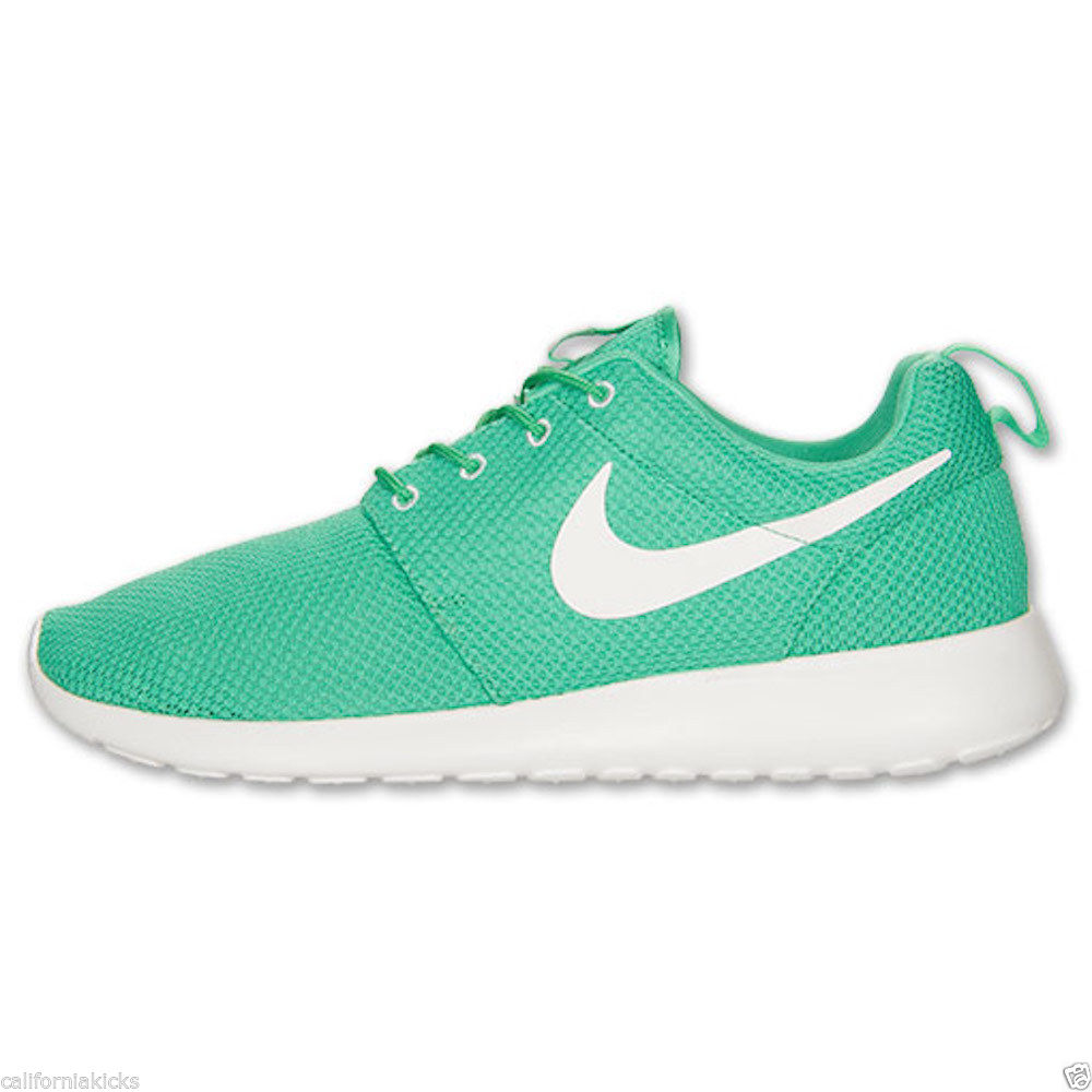 Nike Men's Rosherun Running Shoes sz 13 Gamma Green Sail