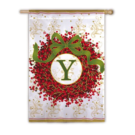 Image of Berry Wreath Garden Flag - Y