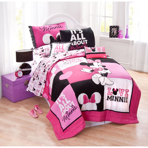 Minnie Classic Pink Twin Quilt Set