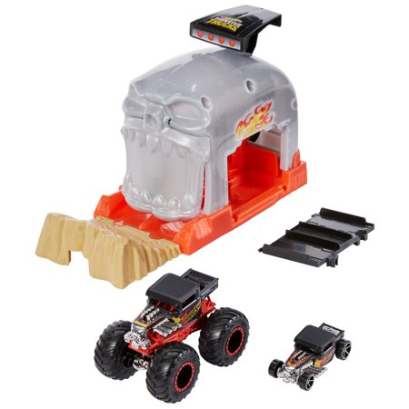 Hot Wheels Monster Truck Pit & Launch Play Set - Monster Truck & 1:64 Scale Car - Team Bone Shaker