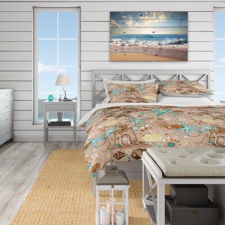 DESIGN ART Designart 'Beach life atmosphere with shells and sea stars' Coastal Bedding Set - Duvet Cover & Shams ()