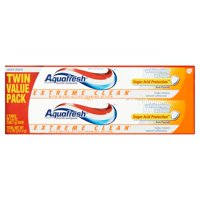 Aquafresh Extreme Clean Mint Blast Fluoride Toothpaste Twin Pack, 5.6 oz, 2 pack