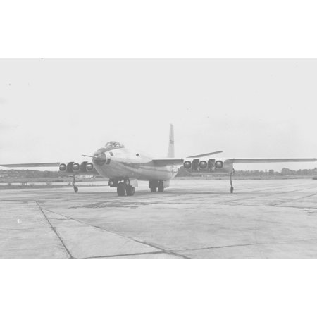 Canvas Print Martin XB-48 on ramp, showing spaces between engines for cooling, tandem main gear, & nacelle outrig Stretched Canvas 10 x