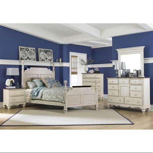 5-Pc Panel Bedroom Set in Old White (Queen)