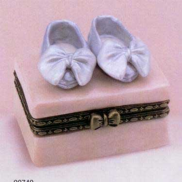 Collectibles Dancing Shoe Porcelain Box, Retired By Madame Alexander