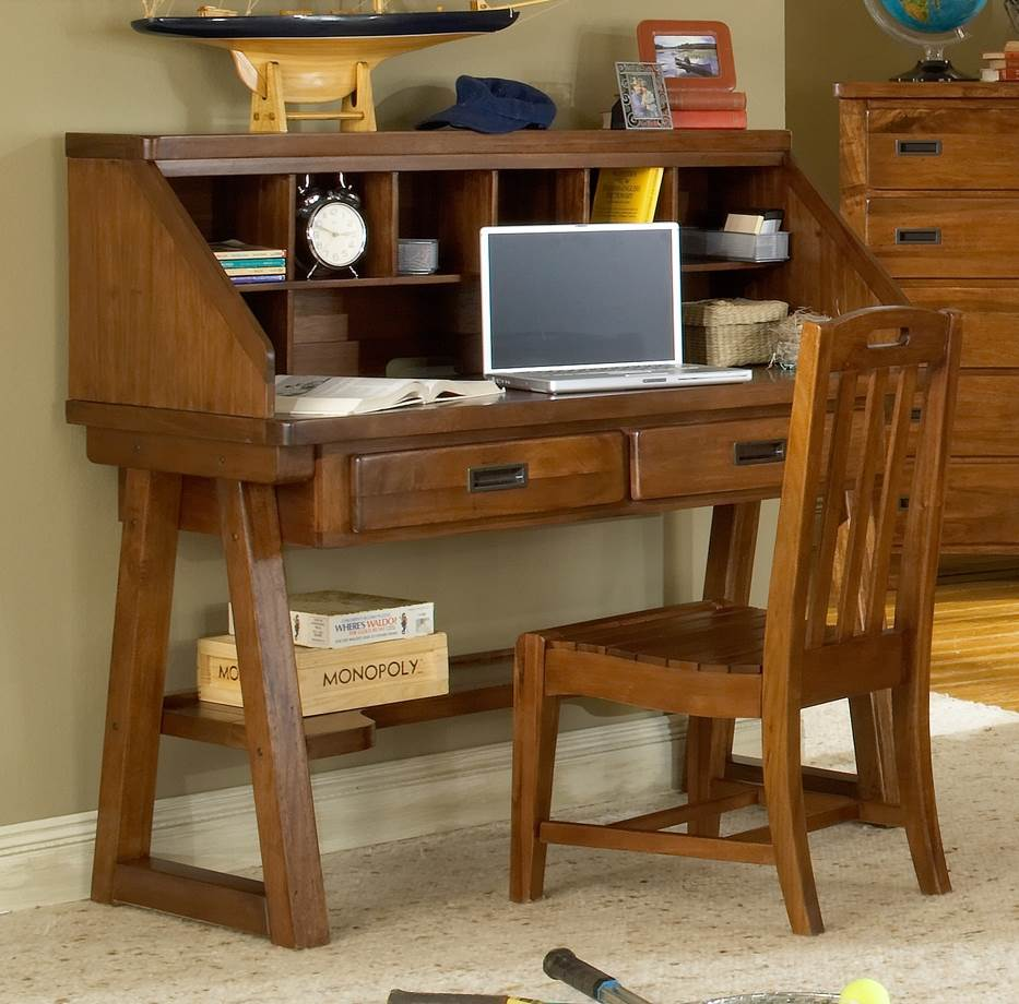 Heartland 50 in. Desk w Hutch