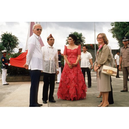 President Ferdinand And Imelda Marcos With US Ambassador To The Philippines Stephen W Bosworth During A 40Th Anniversary Reenactment Of General Douglas MacarthurS Landing At Red Beach On October 20