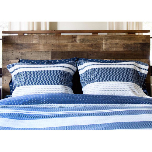 Thread Experiment Smooth Sailing Reversible Comforter Set