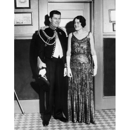 Marine Corps Dress - Gene Tunney And Wife Polly Lauder Tunney In Formal Attire He Is Wearing A Dress Uniform Of The Marine Corps Tunney Served In The Marine Corps Branch Of The Connecticut State Militia The Couple Married
