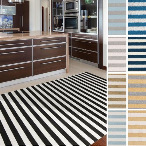Meticulously Woven Davenport Casual Striped Area Rug (3'3  x 5') Black - (3'3  x 5')