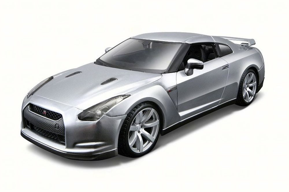 Nissan GT-R, Silver Maisto 31294 1 24 Scale Diecast Model Toy Car by Maisto