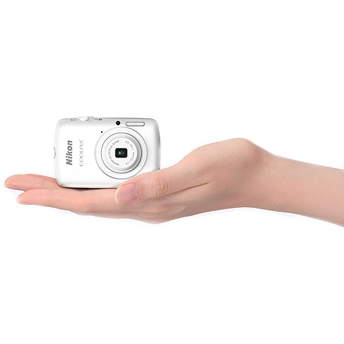 Nikon White COOLPIX S01 Digital Camera with 10.1 Megapixels and 3x Optical Zoom