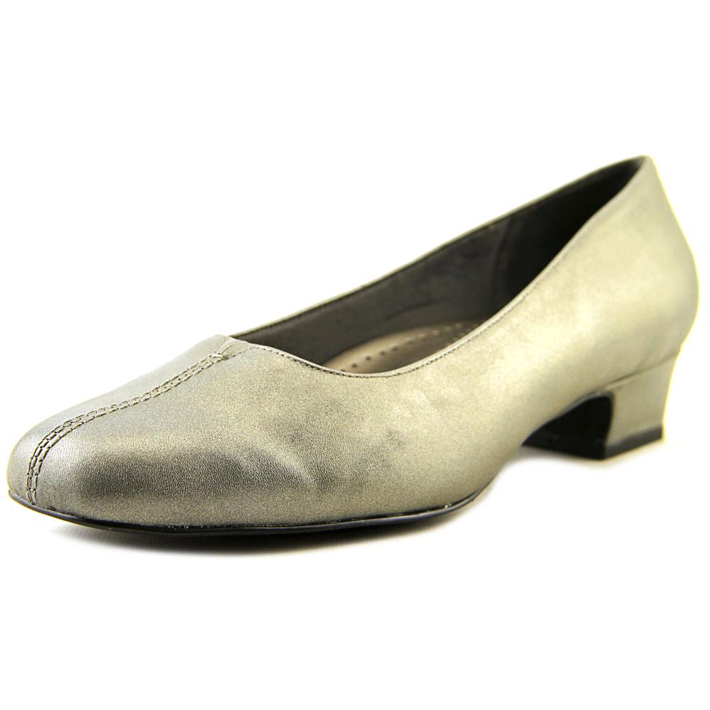 Trotters Doris Women W Square Toe Leather Gray Heels by Trotters