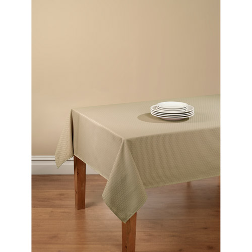 """Mainstays Hyde Embossed White Fabric Tablecloth 52/""""W x 70/""""L Rectangle"""