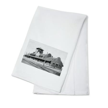 Great Northern Depot - Great Northern Railroad Train Depot in Everett, WA Photograph (100% Cotton Kitchen Towel)