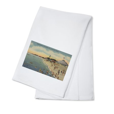 Clearwater, FL - Swimmers & Sunbathers on Beach (100% Cotton Kitchen Towel) - Party City Clearwater Fl