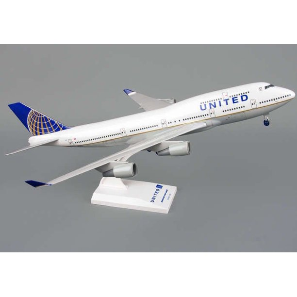 200 Scale Model Plane With Stand