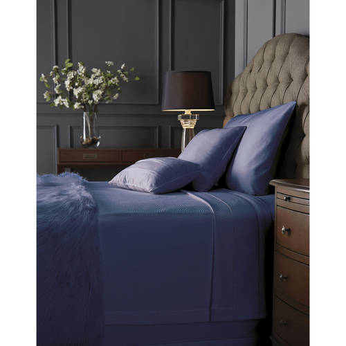 Click here to buy Hotel Style Blanket Bedding Blanket, Full Queen King, Dark Iris.