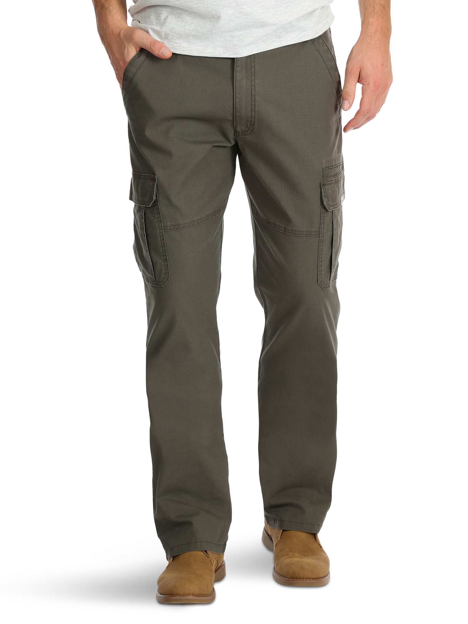 e3b4342d Wrangler - Men's Relaxed Fit Cargo Pant with Stretch - Walmart.com