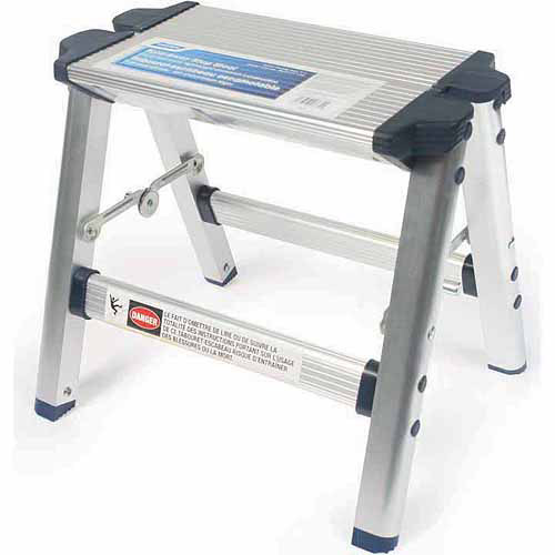 Camco Aluminum Folding Step Stool with Plastic Feet