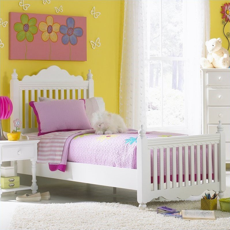 Lauren Wood Poster Bed in White Finish (Twin)