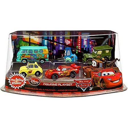 Disney / Pixar CARS Movie Exclusive PVC Figurine Playset Lightning McQueen Pit Crew Includes Luigi,
