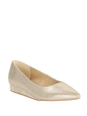 Melrose Ave Vegan Suede Low Wedge Heel Pointed Toe Flat (Women's)