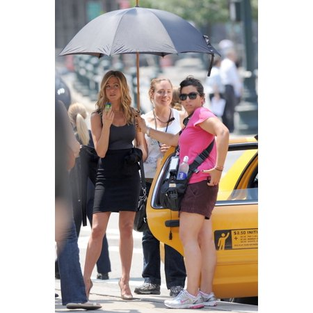 Locator Feature (Jennifer Aniston On Location For Filming Of The Bounty The Streets Of Manhattan New York Ny August 3 2009 Photo By Kristin CallahanEverett Collection Celebrity)