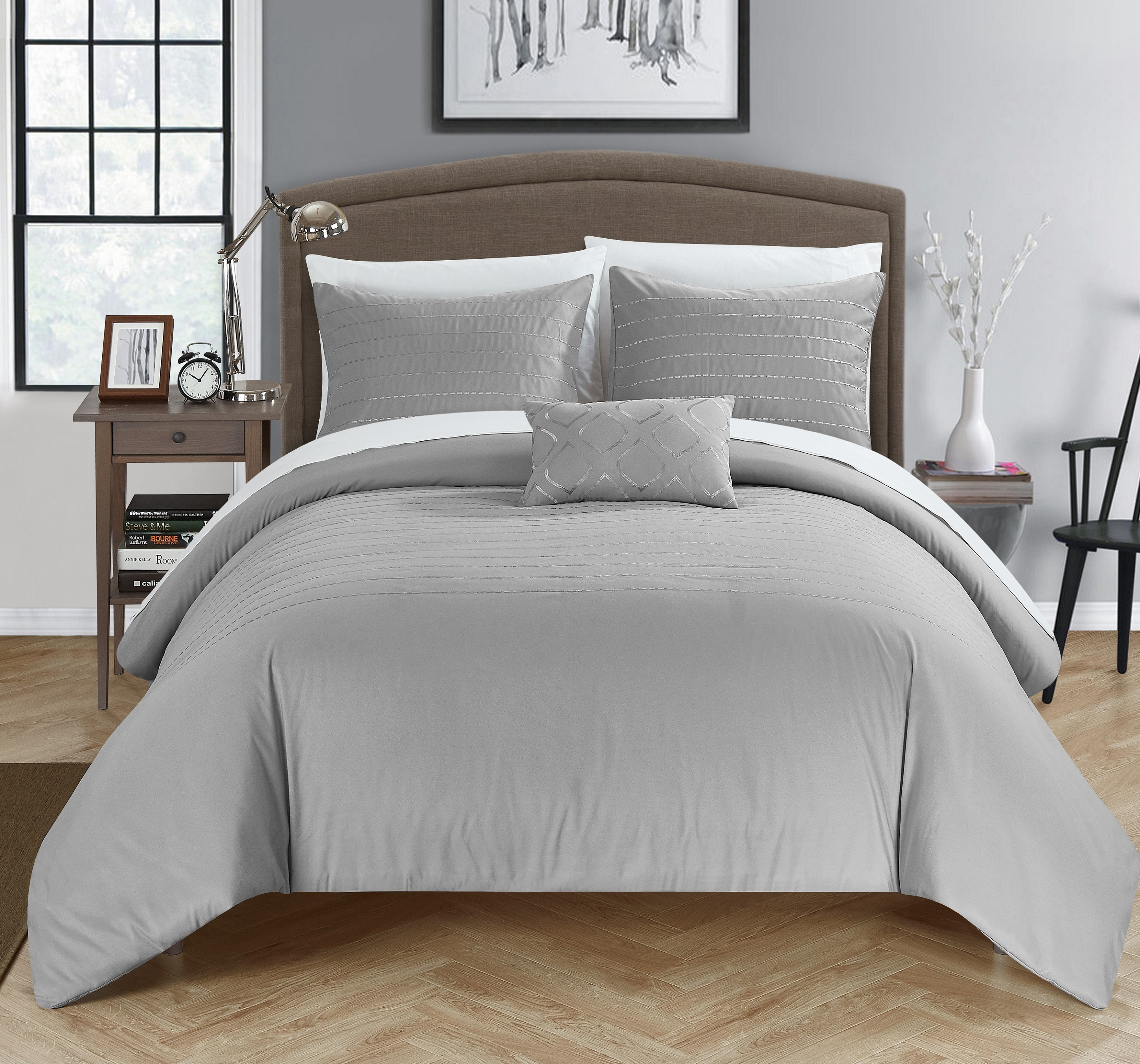 Chic Home 8-Piece Kingston Super Soft Microfiber Stitch Embroidered Bed In a Bag Duvet Set with White Sheets included