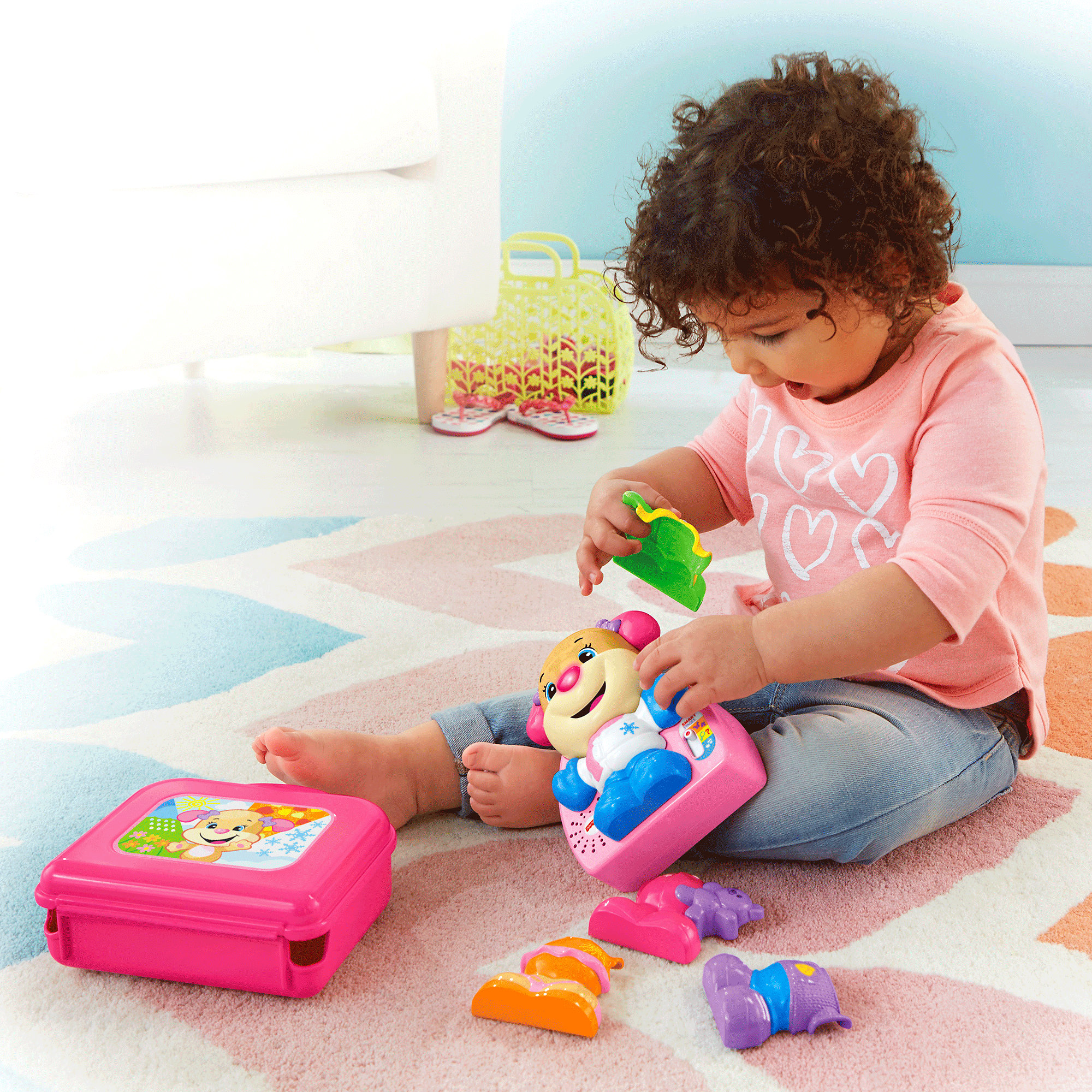 Fisher Price Laugh & Learn Dress & Go Sis by Fisher-Price