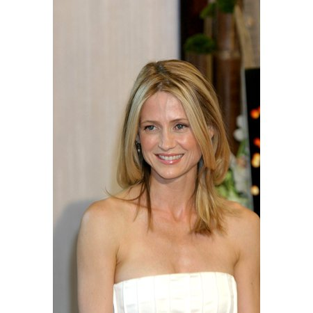 Kelly Rowan At Arrivals For The 2005 Crystal  Lucy Awards Beverly Hilton Hotel Los Angeles Ca June 10 2005 Photo By James AtoaEverett Collection Celebrity