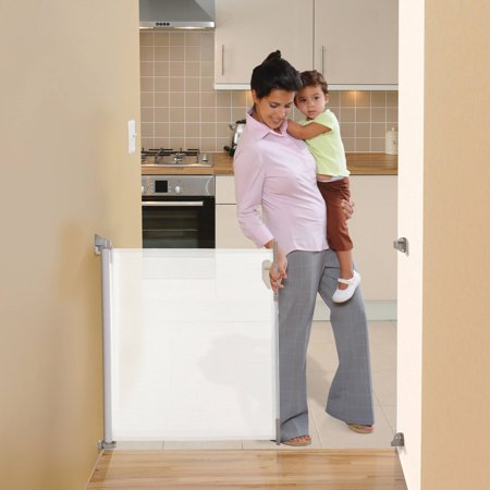 "Dreambaby Retractable Indoor/Outdoor Baby Gate fits up to 55"""