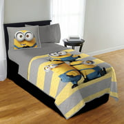 Universal Minions Twin or Full I'm with Minions Quilt Set, 2 Each