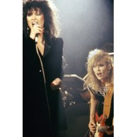 heart Ann and Nancy Wilson in concert 1980's 24x36 Poster