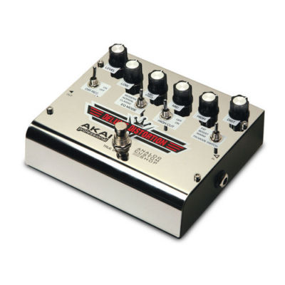 Akai DELUXEDISTORTION Deluxe Distortion Effect Pedal