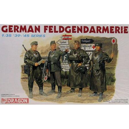 Dragon 6061 WWII German Feldgendarmerie 1/35 Scale Plastic Model Figures ()