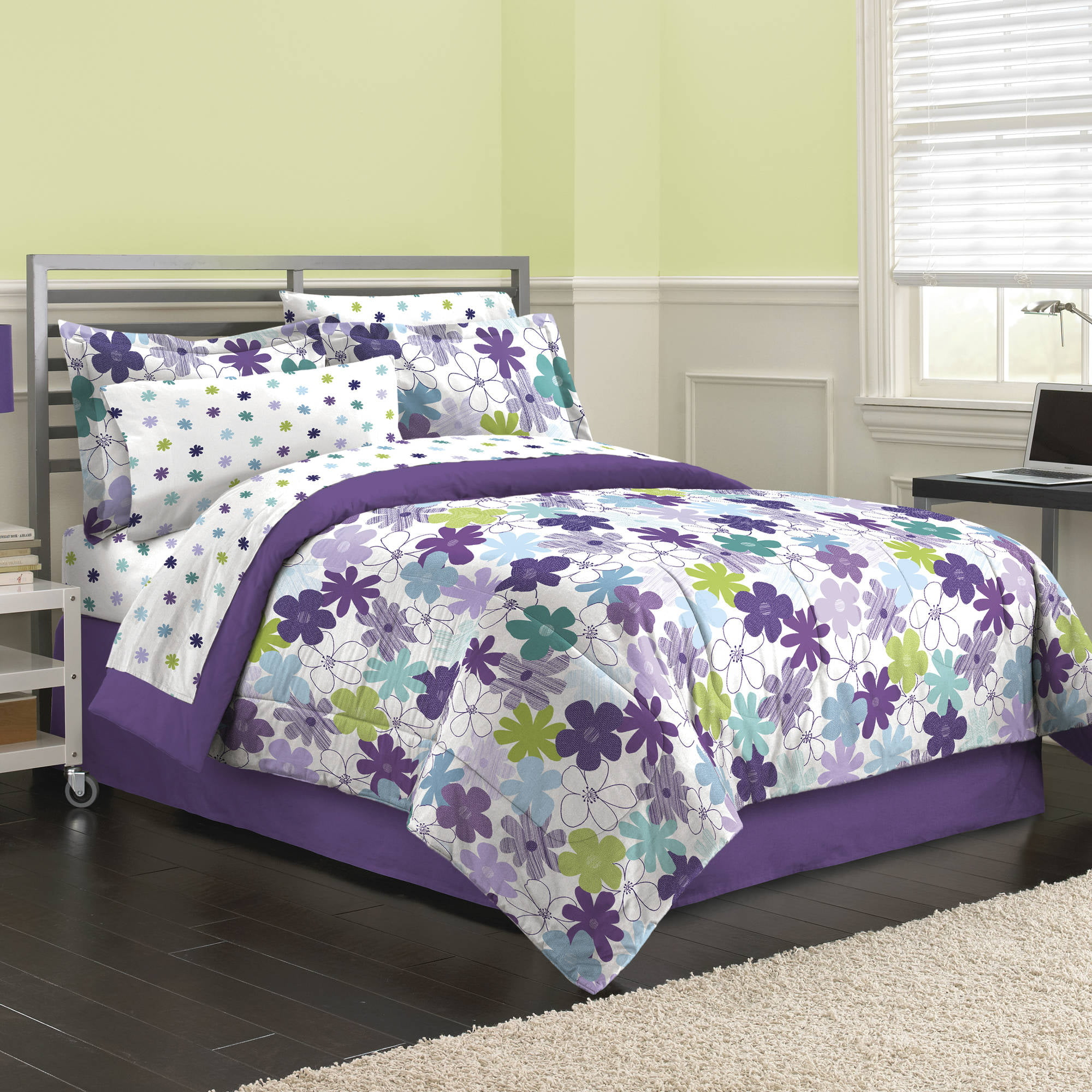 First At Home Graphic Daisy Bed in a Bag Bedding Set Purple